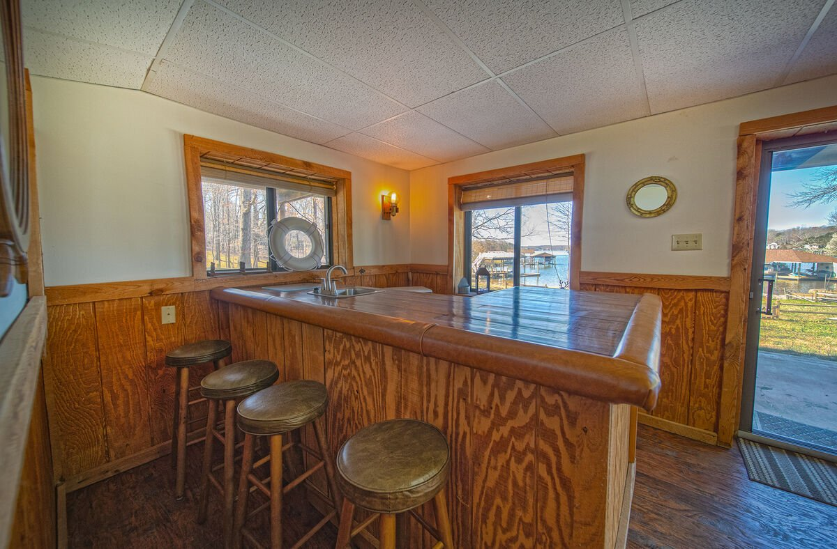 Wet Bar and Stools. Overlooking the Lake