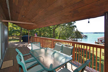 Outdoor Table and Chairs in the Deck.s