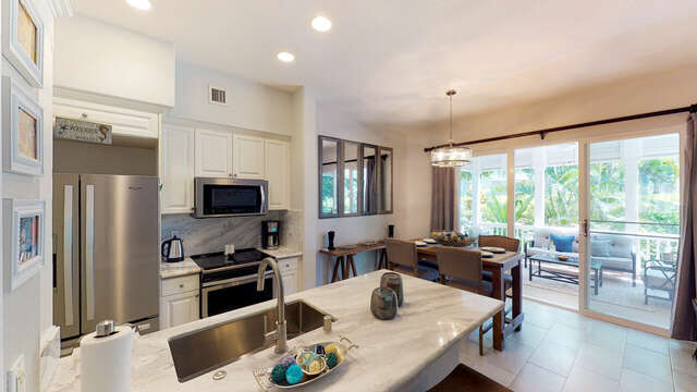 Kitchen and Dining Area in our Ko Olina Rental