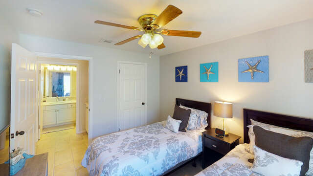 Second Bedroom with Twin Beds at our Ko Olina Rental