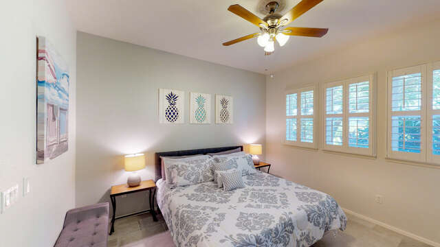 Bright & Airy Master Bedroom with Access to the Lanai