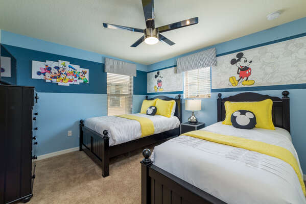The kids will love coming home to their favorite characters in this twin/twin bedroom
