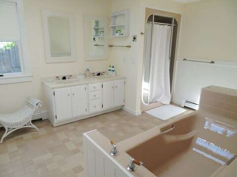 Ensuite Bathroom with Tub and shower- 117 Old Wharf Road Chatham Cape Cod - New England Vacation Rentals