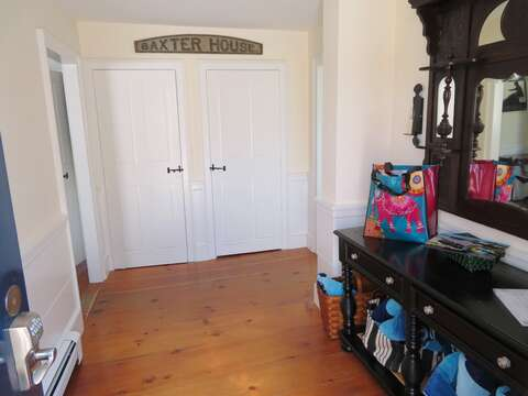 Entry to the Baxter House-117 Old Wharf Road Chatham Cape Cod - New England Vacation Rentals