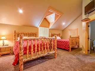 Upstairs Bedroom #4