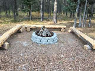 Bear Foot also has a fire pit that is perfect for hanging out around and looking up at the stars.