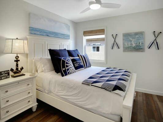 Guest Bedroom w/ Queen - Second Floor