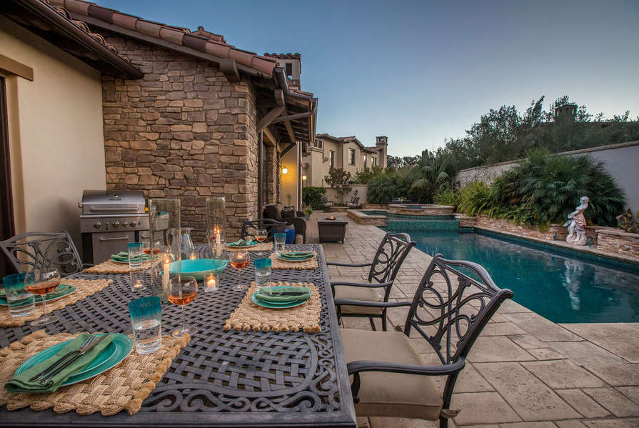 Enjoy dinner outside with a peaceful view!