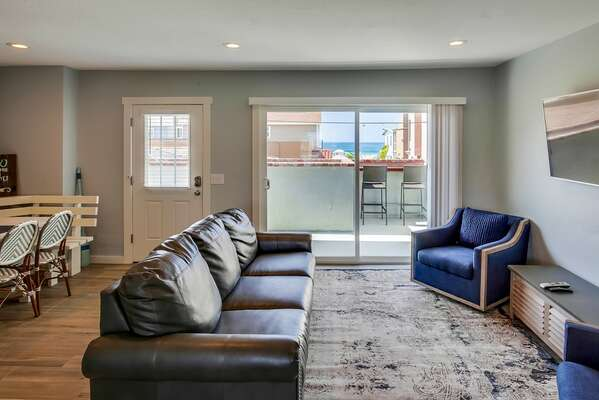 Comfortable Living Area in Vacation Condo in San Diego.