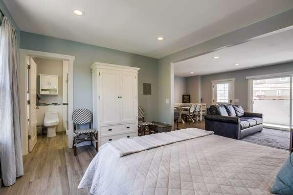 Image of En-Suite Bathroom in Bedroom.