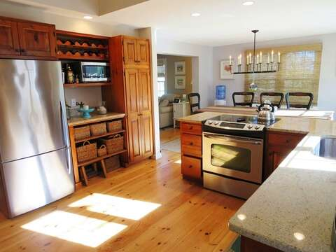 Stainless steel appliances - 66 The Cornfield Chatham Cape Cod - New England Vacation Rentals