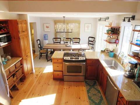 Open kitchen and dining room to share good times and family meals together - 66 The Cornfield Chatham Cape Cod - New England Vacation Rentals