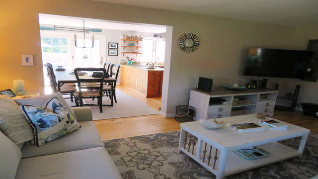 Open to dining area - 66 The Cornfield Chatham Cape Cod - New England Vacation Rentals