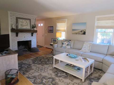 Plenty of comfortable seating and central air - 66 The Cornfield Chatham Cape Cod - New England Vacation Rentals