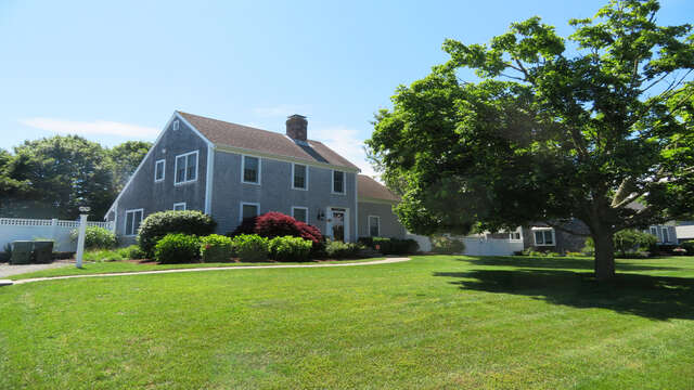 Large front yard. Nicely located on a cul-de-sac - 66 The Cornfield Chatham Cape Cod - New England Vacation Rentals