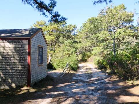 Off the beaten path: Private drive to your home away from home - 1047 Old Queen Anne Road Chatham Cape Cod - New England Vacation Rentals