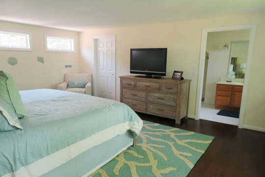 With flat screen TV and ensuite bathroom 55 High Point Drive North Chatham Cape Cod - New England Vacation Rentals