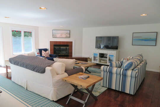 Bright and light - comfy living space! 55 High Point Drive North Chatham Cape Cod - New England Vacation Rentals