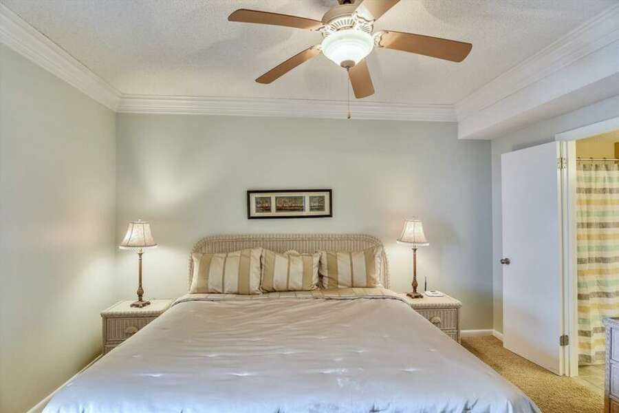 Master Bedroom has a King Size Bed