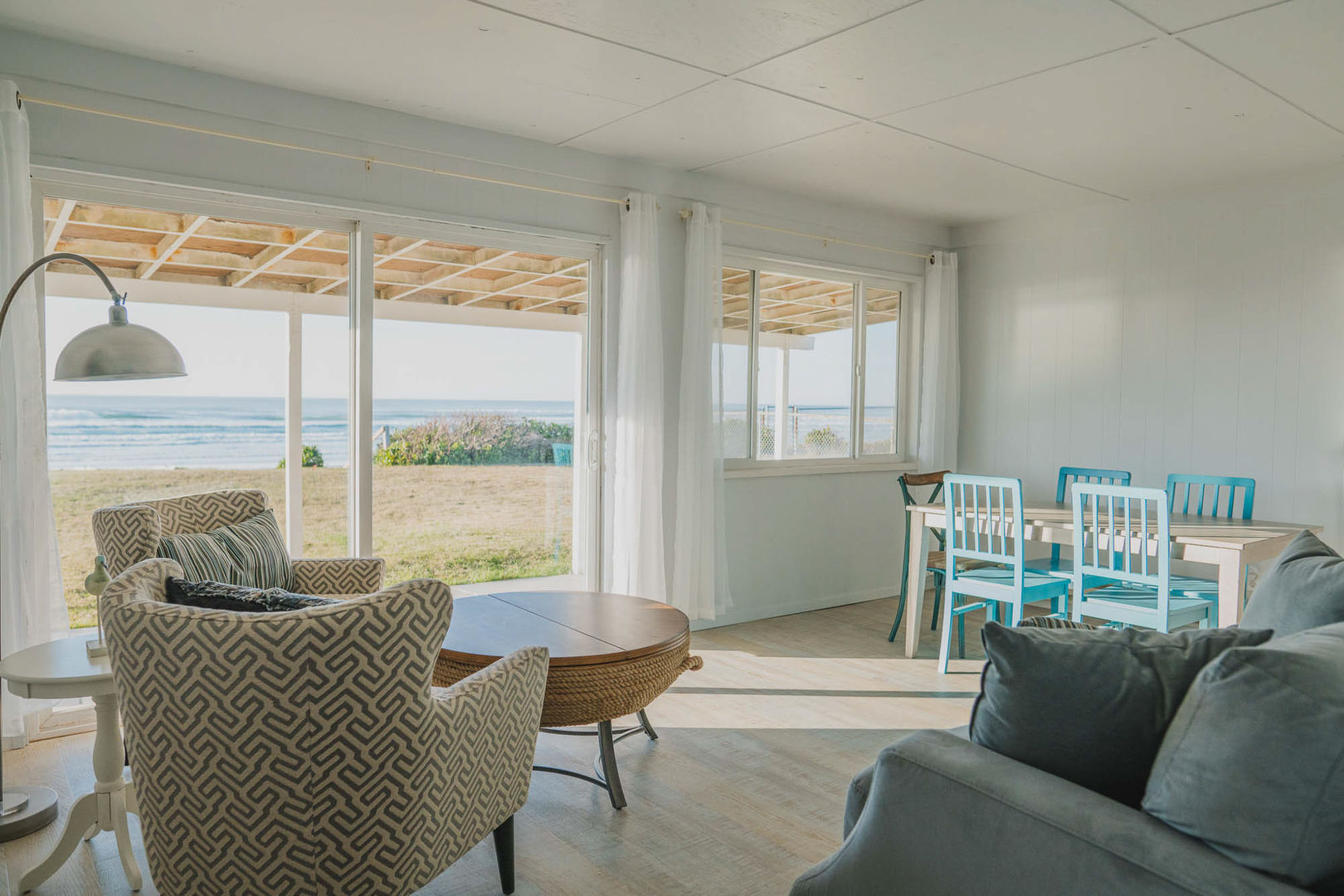 Bring in the coastal breeze and salty sea air by opening up the sliding door and windows and experience the Pacific Ocean without leaving the comfort of the couch.