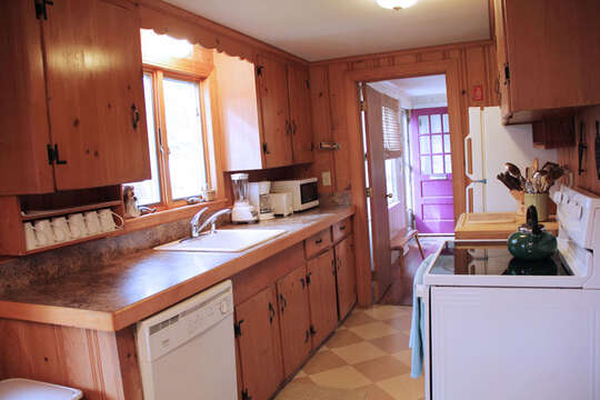 Fully equipped kitchen with a dishwasher - 23 Ginger Plum Lane Harwich Port Cape Cod - New England Vacation Rentals
