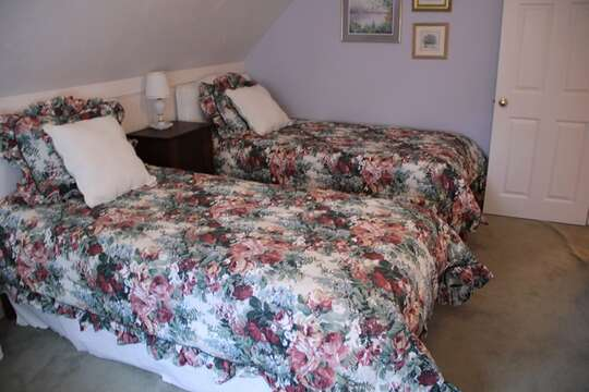 2nd floor bedroom #3 with 2 twins- 29 Ginger Plum Lane Harwich Port Cape Cod - New England Vacation Rentals
