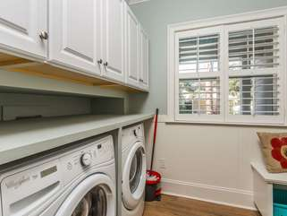 Mud room/laundry room off of kitchen with access via garage