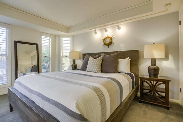 Master Bedroom with King Bed and Ensuite Bathroom - 2nd Floor