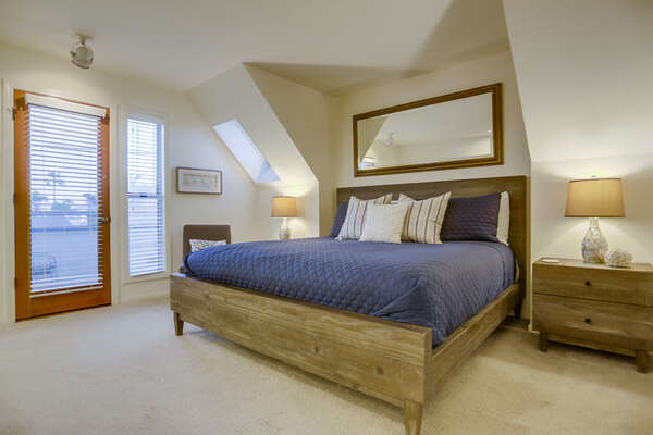 Master Bedroom with King Bed, Ensuite Bathroom and Balcony - Upper Level