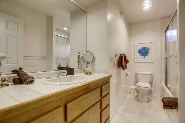 Bunk Room Bath Tub/Shower