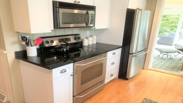 Stainless steel appliances - 19 Burton Ave West Harwich Cape Cod - New England Vacation Rentals