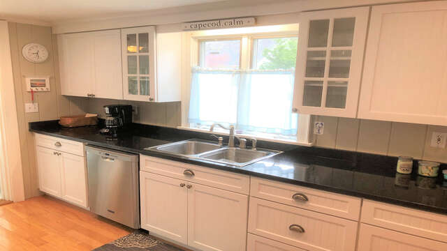 Granite counter tops - 19 Burton Ave West Harwich Cape Cod - New England Vacation Rentals