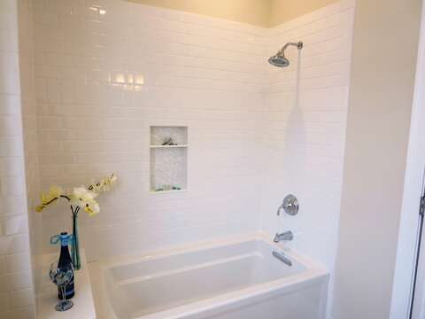 Combo tub-shower-  1 Bayberry Lane Eastham Cape Cod - New England Vacation Rentals