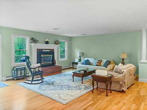 Spacious living area - 2 Mashpa Road Harwich Cape Cod - New England Vacation Rentals