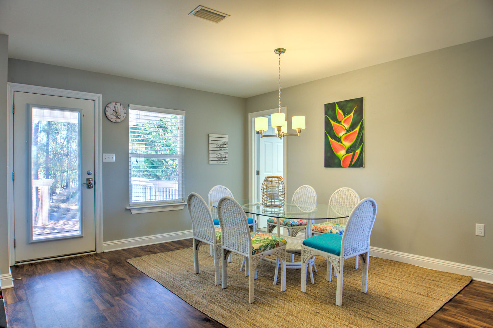 Dining Area in Vacation Home in Orange Beach Can Seat 6 People.