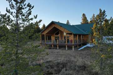 Bear Hollow is the perfect family cabin to rent to get away to Yellowstone.