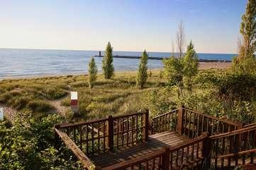 Van Buren Street Beach Access