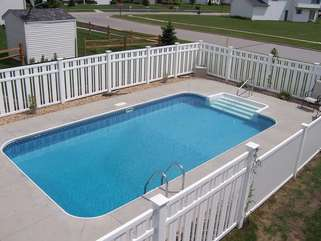 Example of Pool Design Fence is Different