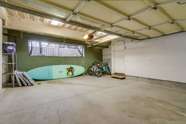 2 garage parking spots, beach gear provided