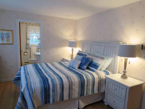 Bedroom 1 with Queen bed and en suite bath - 84 Cranberry Lane Chatham Cape Cod - New England Vacation Rentals