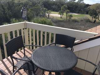 Capture beautiful views of wildlife from the loft deck.