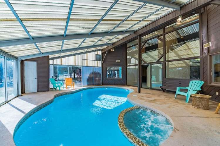 Jetted massage built into pool