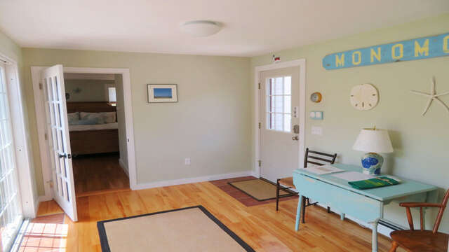 Sunroom with table and chairs  - 33 Pine Grove West Harwich Cape Cod -  New England Vacation Rentals