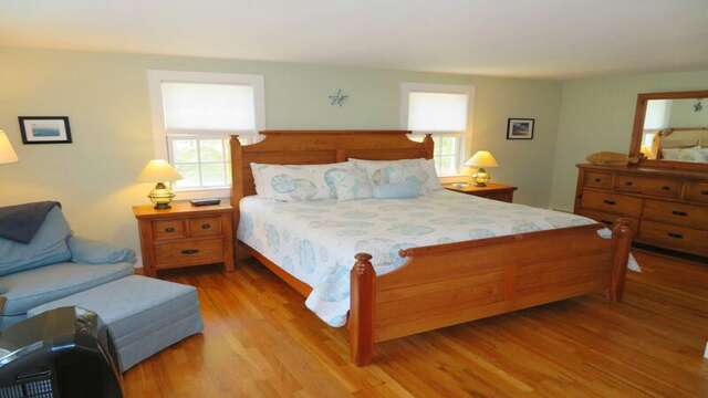 Master bedroom with a King bed - 33 Pine Grove West Harwich Cape Cod -  New England Vacation Rentals
