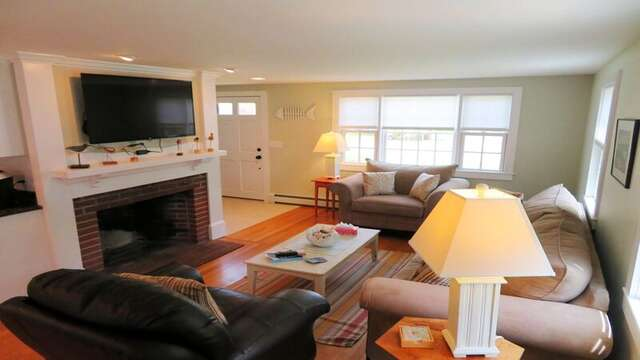 Open concept living - 33 Pine Grove West Harwich Cape Cod -  New England Vacation Rentals