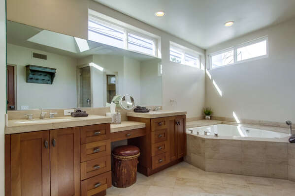 Large master en suite bathroom with large shower and Jacuzzi