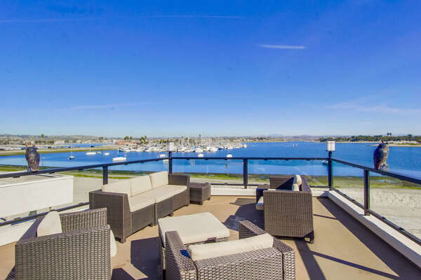 Rooftop patio, overlooking Mission Bay with BBQ, Fire-pit and Comfortable outdoor furniture