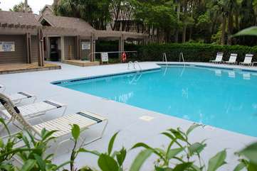 The neighborhood pool is exclusive to Live Oak guests.