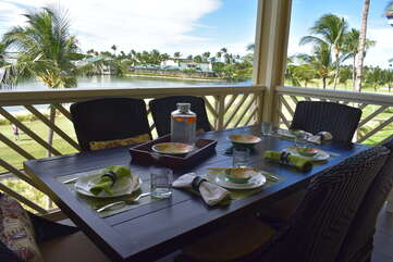 Outside dining on spacious lanai