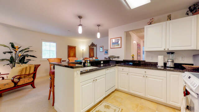 Large Kitchen with Lots of Counter Space